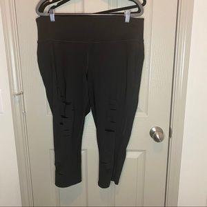 Livi active slashed leggings with mesh detailing